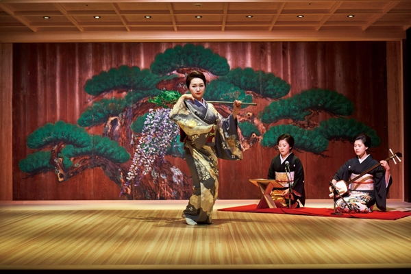 MANDARIN ORIENTAL TOKYO - TRADITIONAL JAPANESE ARTS AND SUSHI PACKAGE