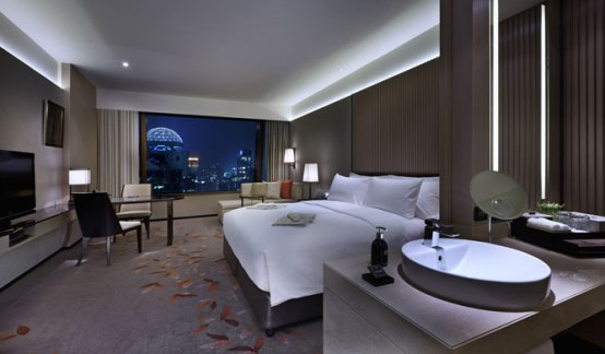 room-night-okura-prestige-bangkok-hotel